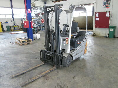 Used forklift RX20-15